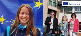 Zwei  Schülerinnen mit Schulleiter und Lehrerin, die an Erasmus+ Schüleraustausch teilnehmen